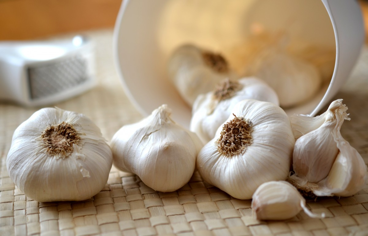 Onion juice and Garlic for hair growth