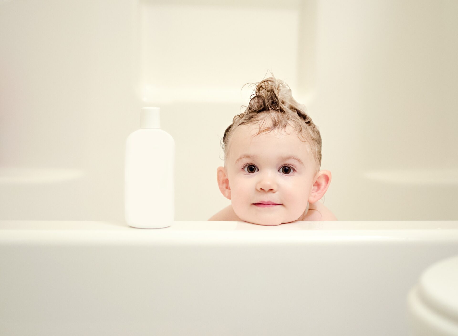 kids hair,toddlers,hair wash,bath time,kids,halal shampoo,natural shampoo,paraben free,shampoo,soap free,tear free,baby shampoo,Muslim shampoo,halal products,natural hair,tips,best shampoo,2020,baby,toddlers,thin hair,thick hair,greasy hair,curly hair,detangling shampoo,tangled hair, lice repellent shampoo,shampoo for swimmers,swimming,chlorine removing,muslim mom,muslim mummy