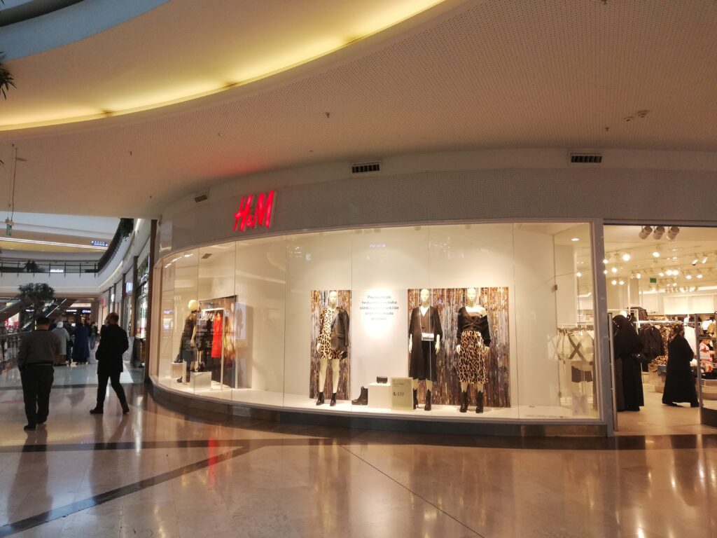 Mall of Istanbul,Istanbul,Turkey,H&M Store